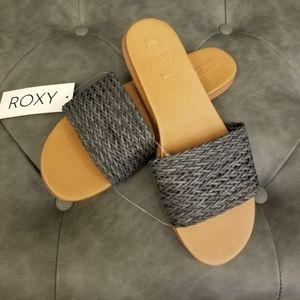 Roxy flat sandals